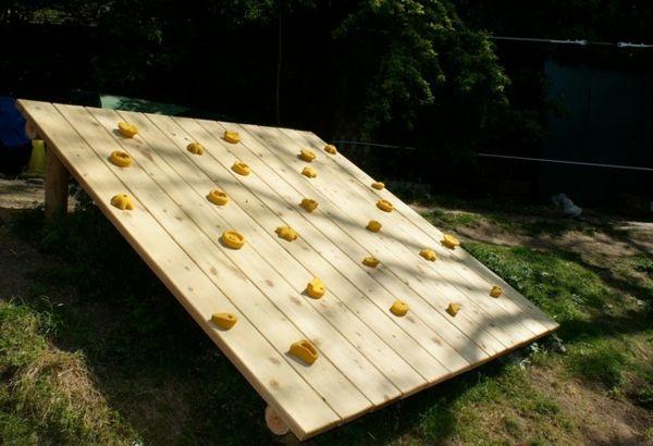 Spielhaus Fur Den Garten Selber Bauen Diy Anleitung Diy Garten Zenideen Spielturm Selber Bauen Spielhaus Garten Spielturm Garten