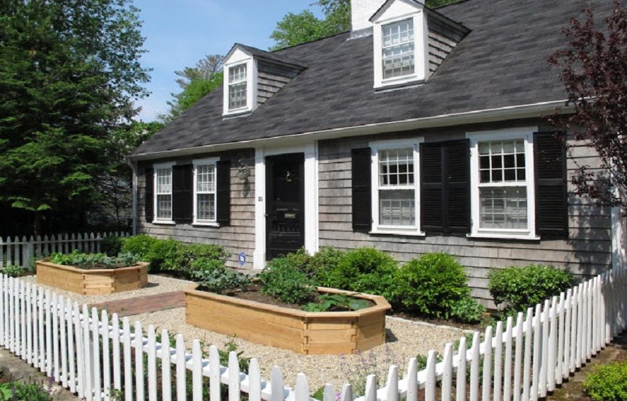 Beautiful Cape Cod Landscaping Ideas Landscaping Landscaping Ideas Cape Cod House Front Yard Design Front Yard Yard Design