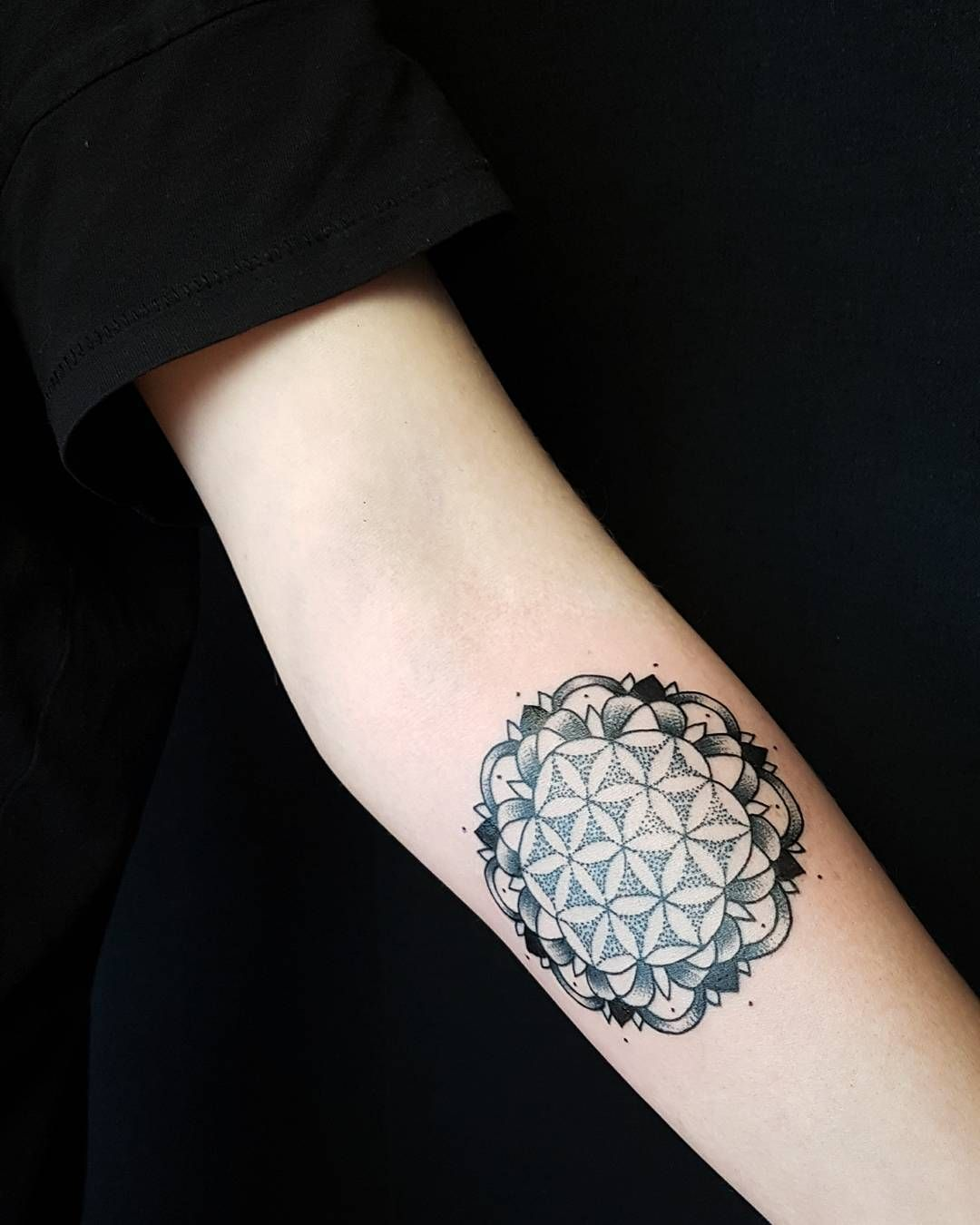 35 amazing tattoos for women with meaning - 35 Cool Flower Of Life Tattoo Ideas The Geometric Pattern That Holds The Secrets Check