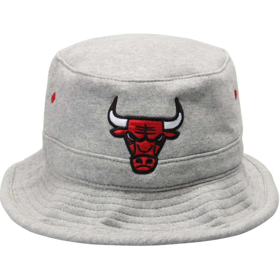 bec7e67c49c Men s Chicago Bulls Mitchell   Ness Gray Logo Fleece Bucket Hat ...