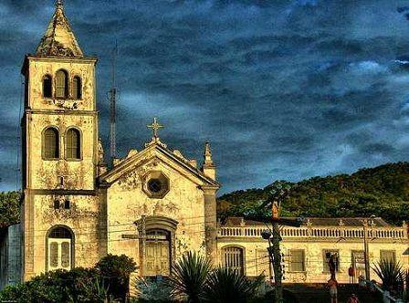 Igreja Matriz Garopaba é destino perfeito para quem curte esportes e natureza