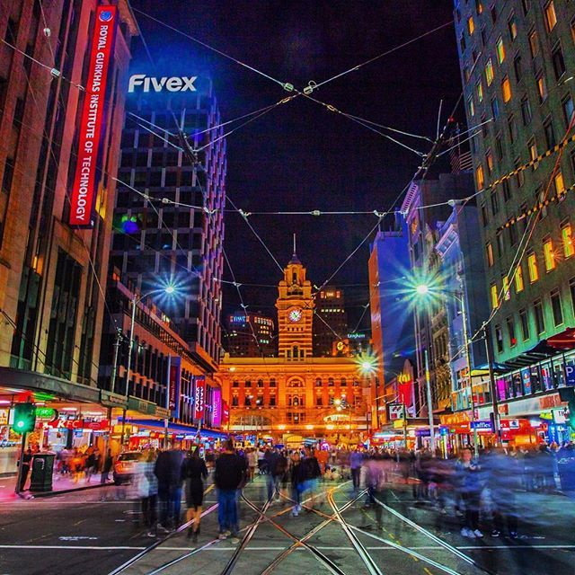 Buzzling City Night Streets Of Melbourne Melbourne Melbourne Australia Australia