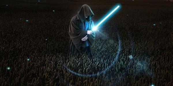 ¿Star Wars Episodio VII se estrenará en diciembre de 2015? J.J. Abrams nos trasladará al futuro del universo creado por George Lucas a partir de Navidad 2015. Así lo señalan varias fuentes que apuntan al 4/12/15 como fecha del estreno del Episodio VII. El estreno de la nueva trilogía de La Guerra de las Galaxias marcará el inicio de un plan de 5 años en el que, aparte de la nueva película y sus secuelas, tendremos 2 spin offs centrados en distintos personajes del universo de George Lucas