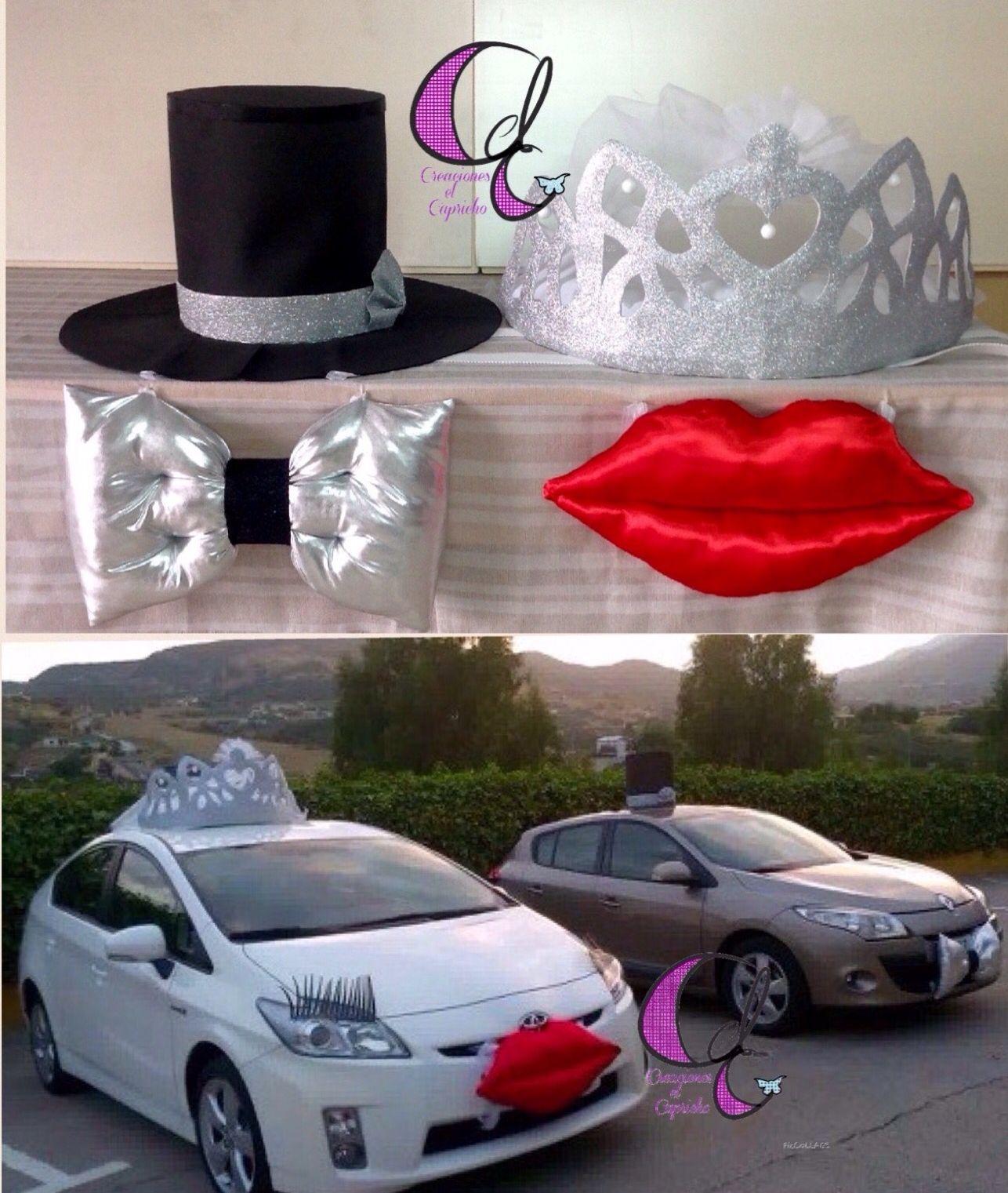 Creaciones El Capricho Corona Y Labios Para Ella Chistera Y Pajarita Para El Una Forma Original De Adorna Wedding Car Decorations Wedding Car Wedding Planer