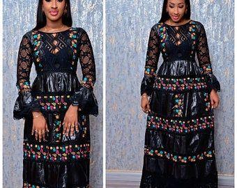 Articles similaires à Mode africaine vêtements haut de gamme Getzner magnum or africaine robe africaine africaine robe/Bazin boubou, grande taille robe/Plus size clothing sur Etsy #afrikanischerstil