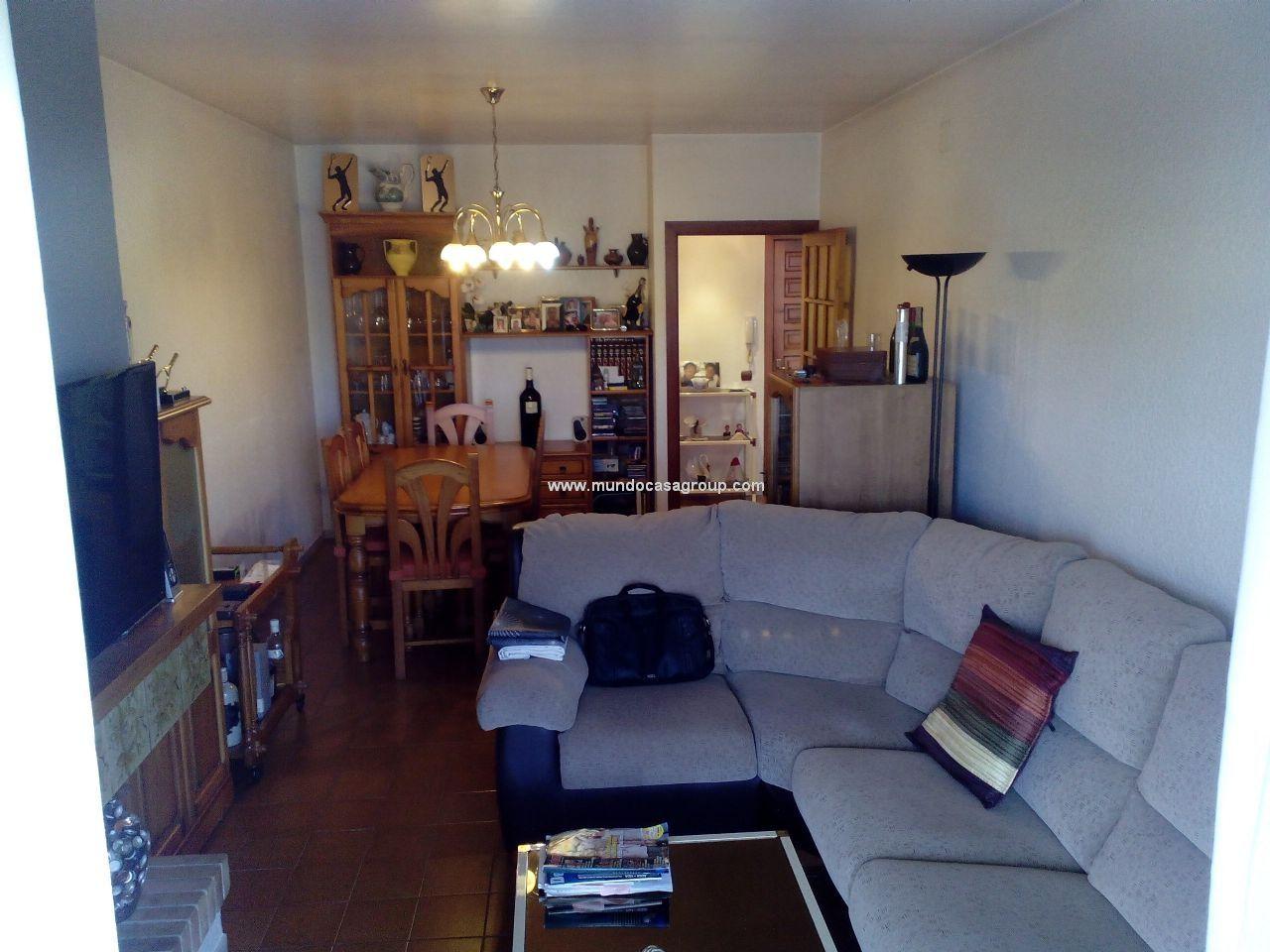 Interesante piso en muy buen estado de conservaci n for Salon comedor completo