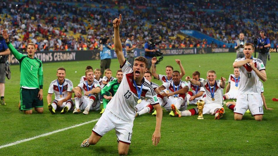 2014 Fifa World Cup Photos Fifa Com Fussball Nationalmannschaft Weltmeisterschaft Deutsche Fussball Bund