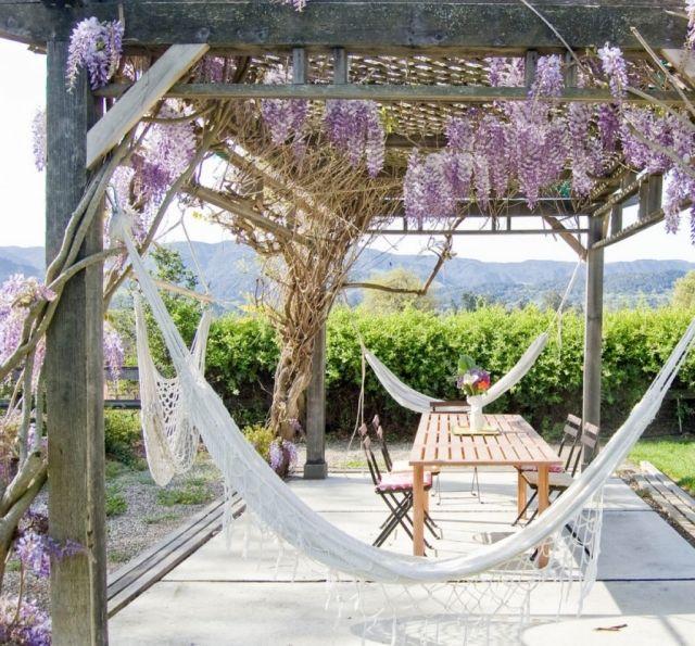Garten Hängematte: Gartenlaube Pergola Holz Blauregen Kletterpflanze Begrünen