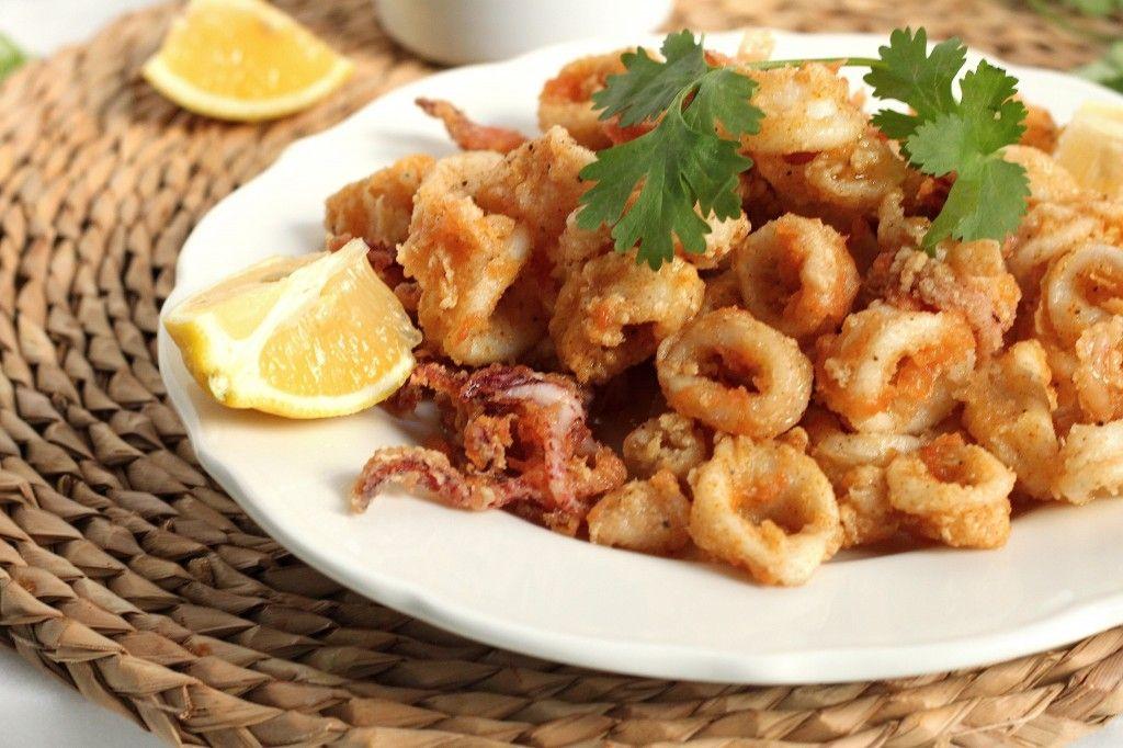 Fried Calamari with Tabasco and Honey Drizzle and Cilantro Aioli