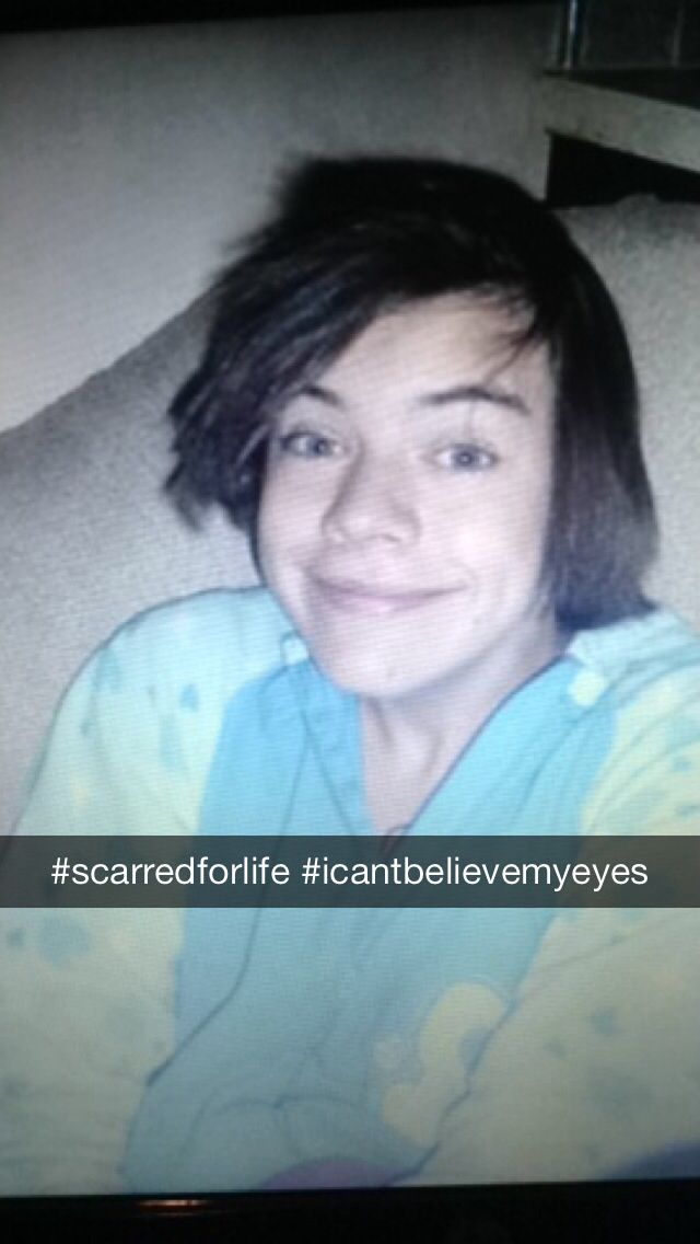 Harry Styles With Straight Hair Straight Hairstyles Harry Styles Style