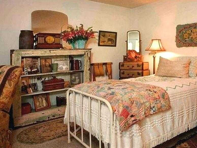 Antique Bedroom Furniture Ideas Small Room Bedroom Antique Bedroom Bedroom Vintage