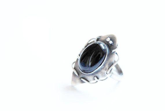 Onyx ring sterling zilver wire wrapped geoxideerd door Draadjuwelen, €70.00