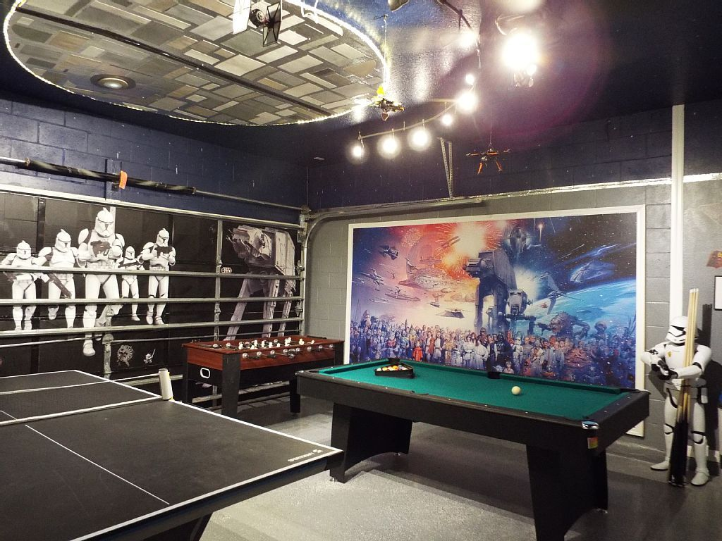 new star wars themed game room full of activities to keep the kids occupied rent on homeaway. Black Bedroom Furniture Sets. Home Design Ideas