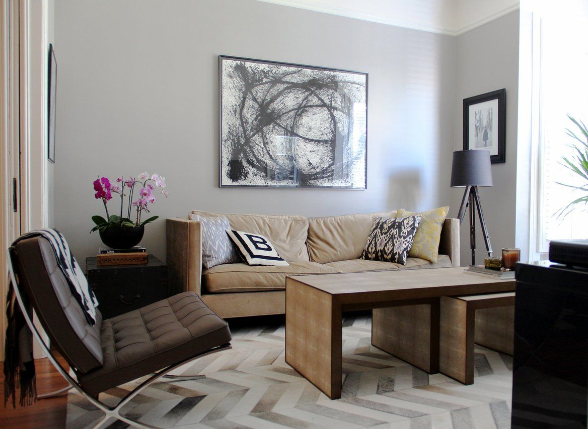 Jordan, Chris & Quigley\'s Designer Flat LIVING ROOM: Benjamin ...