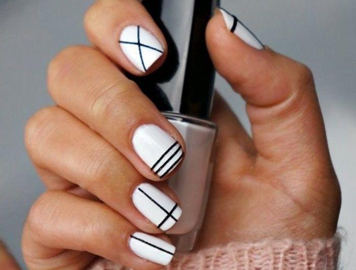 Les Tendances Chez La Deco Ongles 62 Variantes En Photos Ongles Facile Ongles Ongle Gel Blanc
