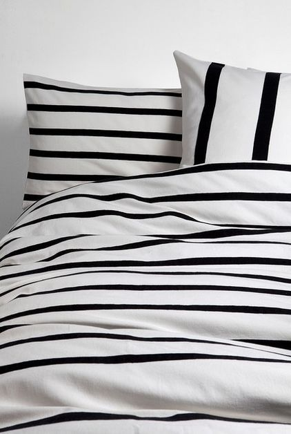 Guest Picks A Hot Streak Of Black And White Stripes Black And White Decor Striped Bedding White Duvet Covers