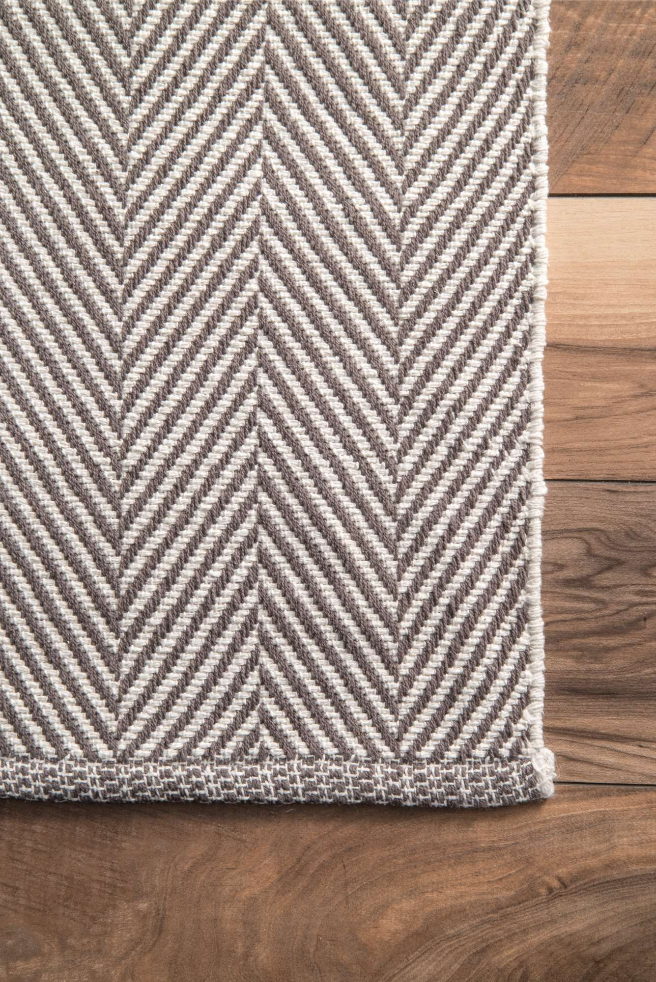 The No Pile, Handloomed, Flat Woven Rug Is Made Out Of Pure
