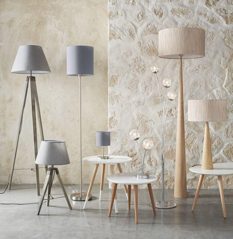 on mise sur une d coration toute en harmonie avec les lampe poser et lampadaire coordonn s en. Black Bedroom Furniture Sets. Home Design Ideas