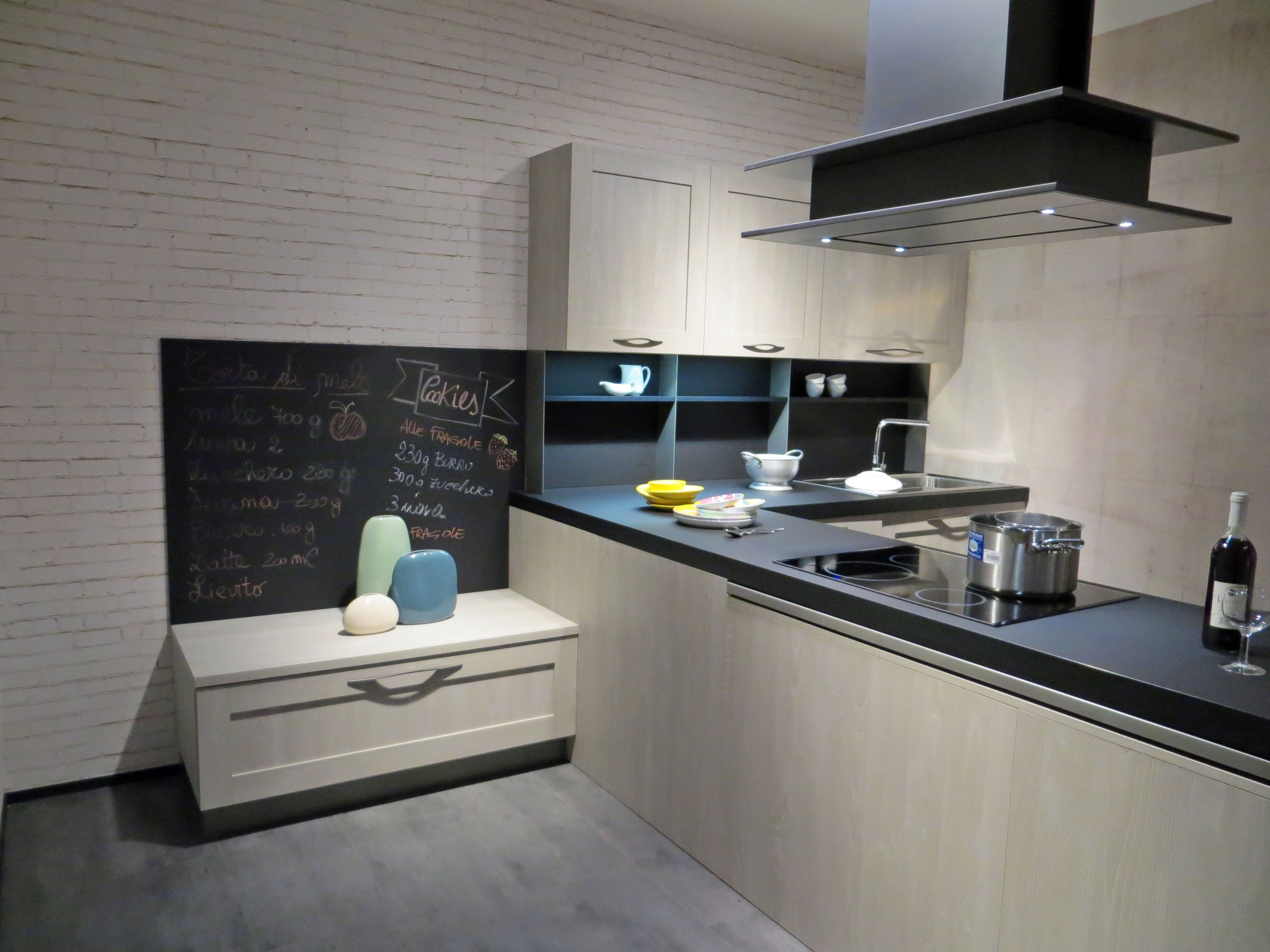 Nuovo stand stosa cucine city cucine moderne e no for Cucine pinterest