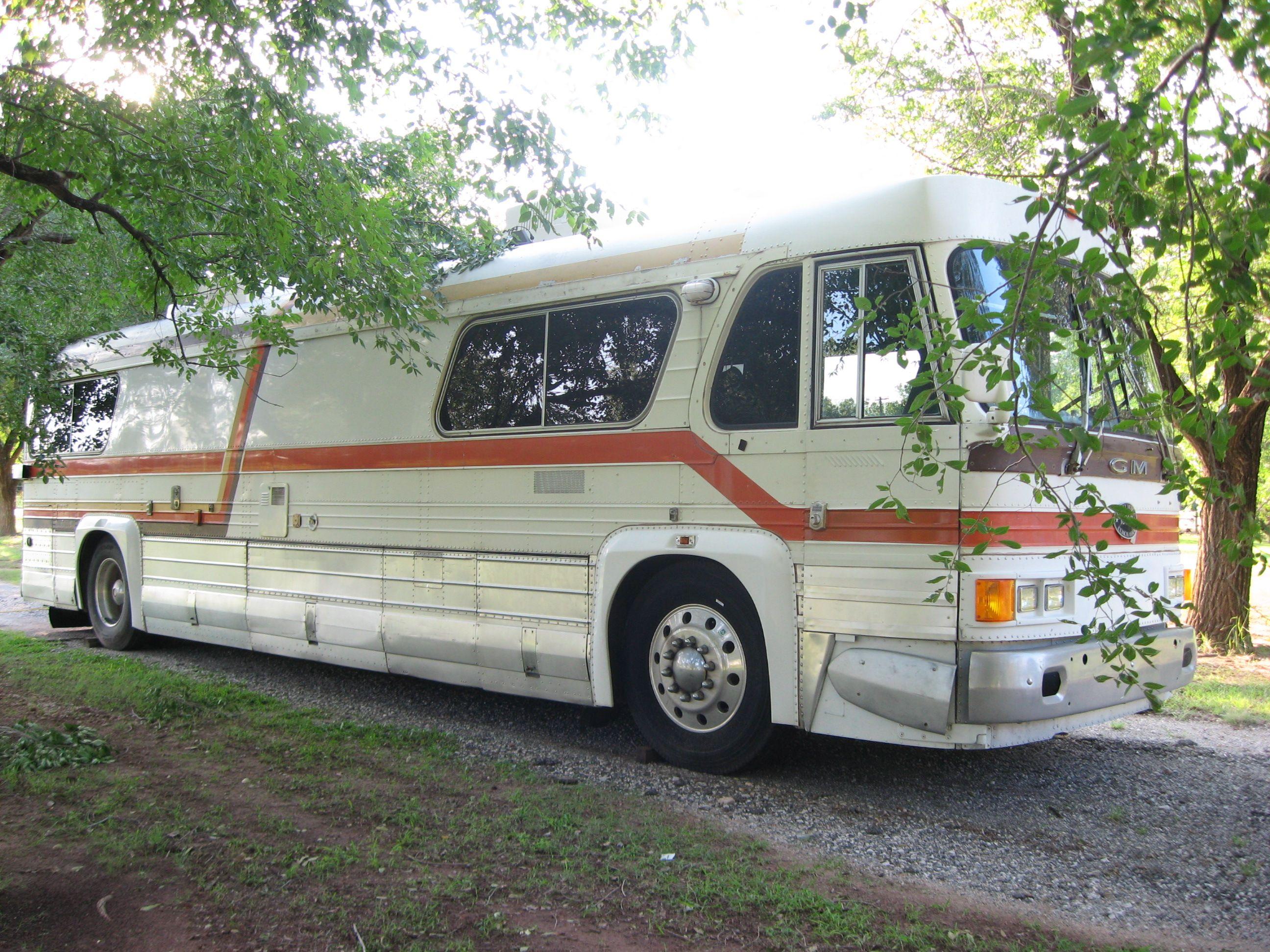 Our BOB (Big Old Bus) 1962 GM 4106 Detroit 8V71 Diesel (formerly