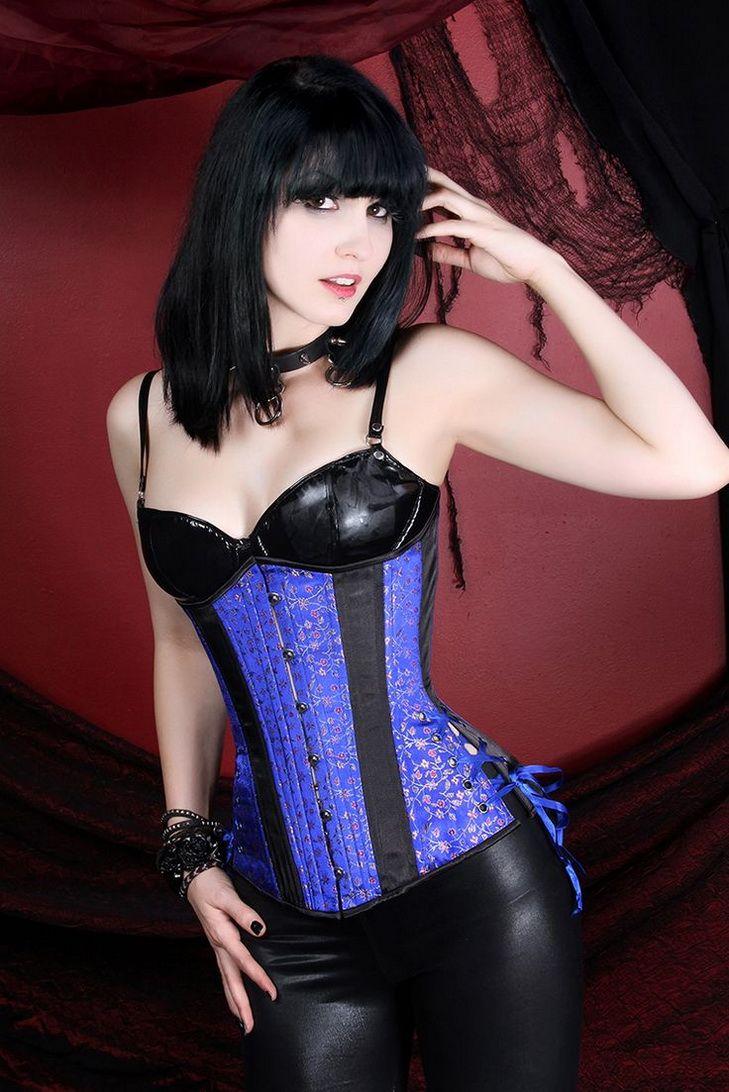 Aryx quinn bisexual