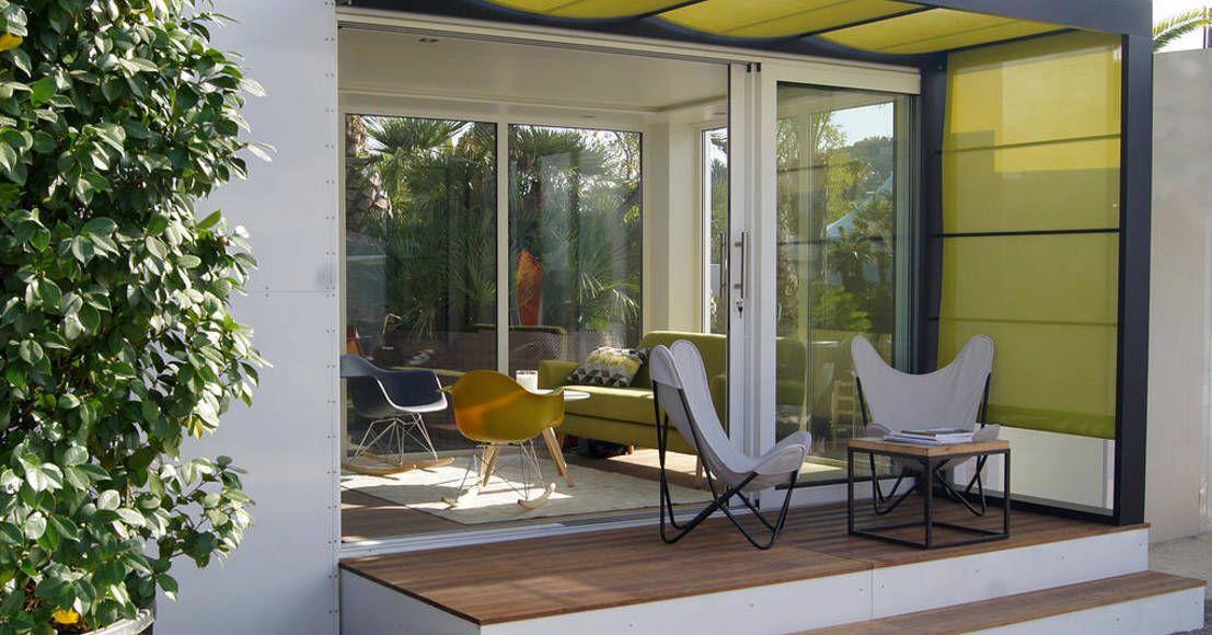 Modernistyczny balkon, taras i weranda od .oboo-outdoor