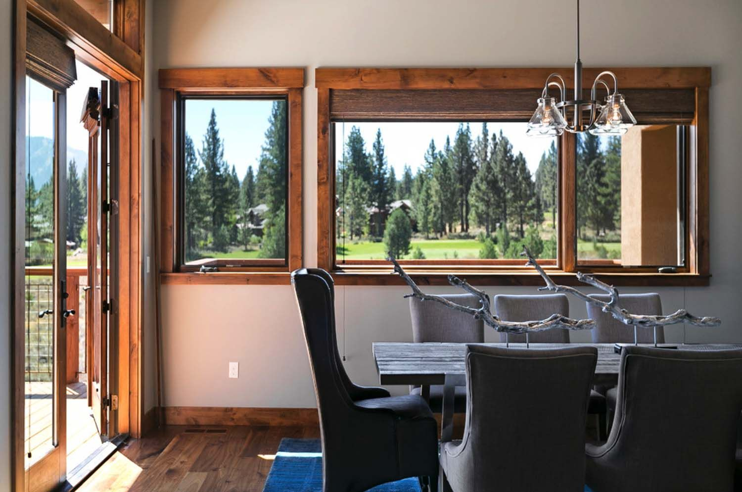 Warm and relaxing mountain contemporary home in Truckee | Pinterest