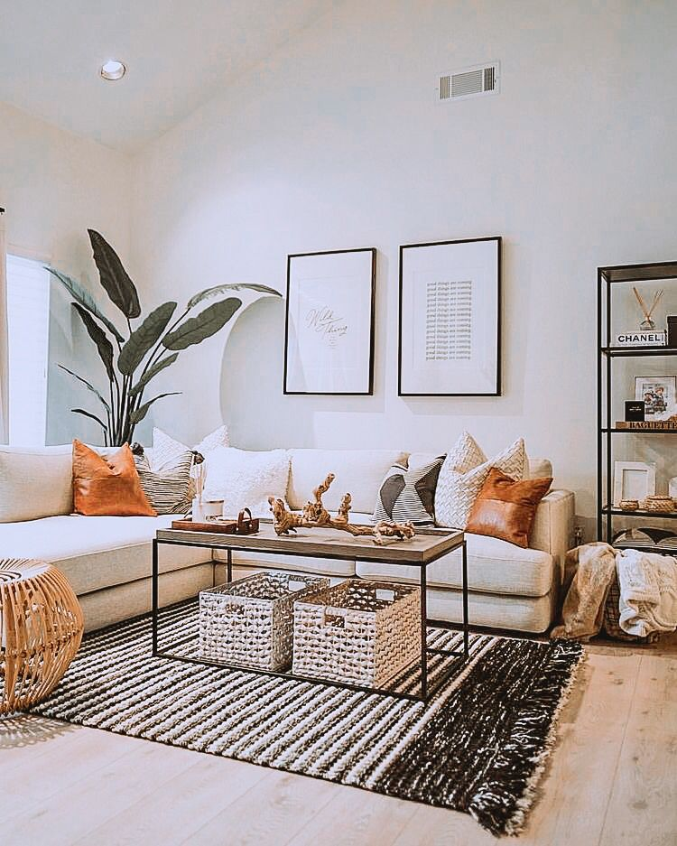 This Room Has Good Decorations Because The Neutral Colored Walls An Small Apartment Decorating Living Room Living Room Decor Modern Living Room Decor Apartment #white #living #room #with #pops #of #color