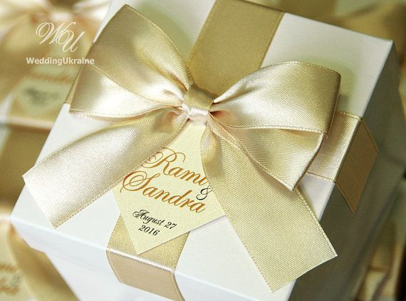 Champagne Wedding Gifts Boxes With Satin Ribbon Bow And Names