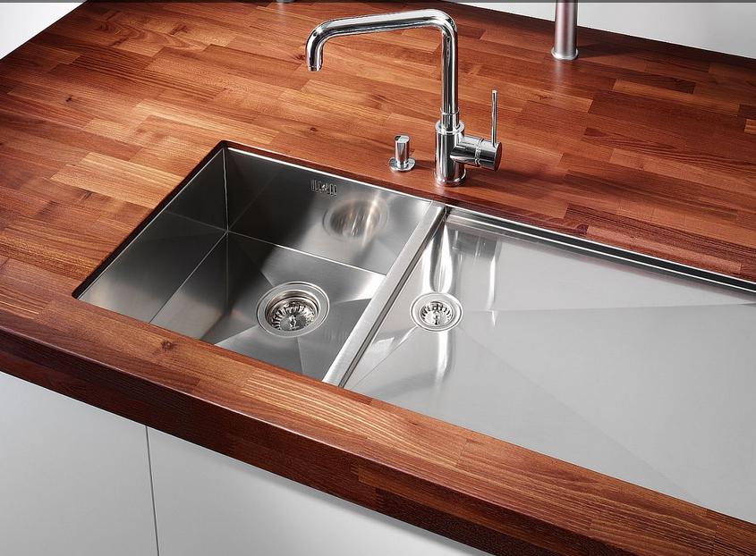 Tarja en cubierta de madera cocinas integrales m dul for Material encimera cocina