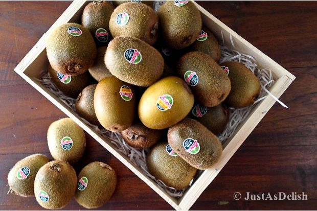 Zespri® 14-Day Daily Scoop Challenge & Kiwi Oatmeal Bar | Healthy Malaysian Food Blog & Food Recipes