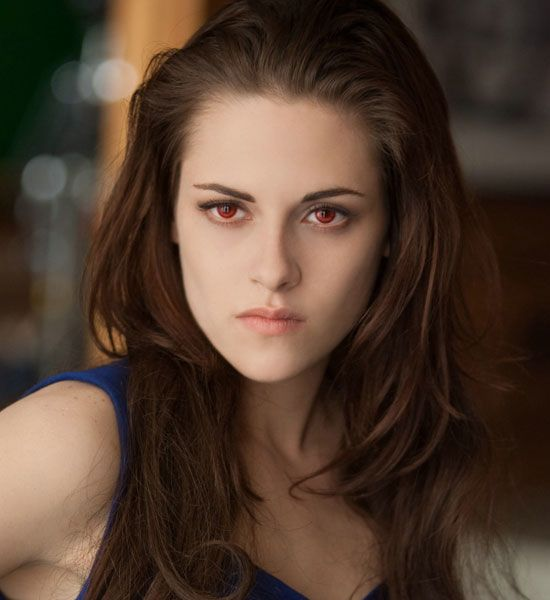 i want red contacts for my halloween vampire costume - Kristen Stewart Halloween Costume