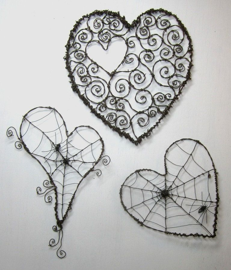 Custom Order Pair of Wonky Barbed Wire Heart Spider Webs | Spinnen ...