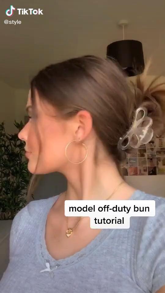 Model Off Duty Bun Video Hair Styles Hair Tutorial Aesthetic Hair
