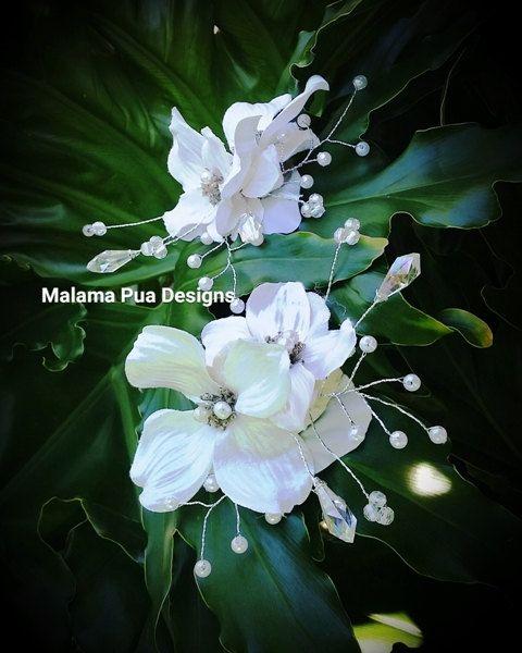 WEDDING HAIR CLIP  Hair accessory Bridal hair flowers by MalamaPua
