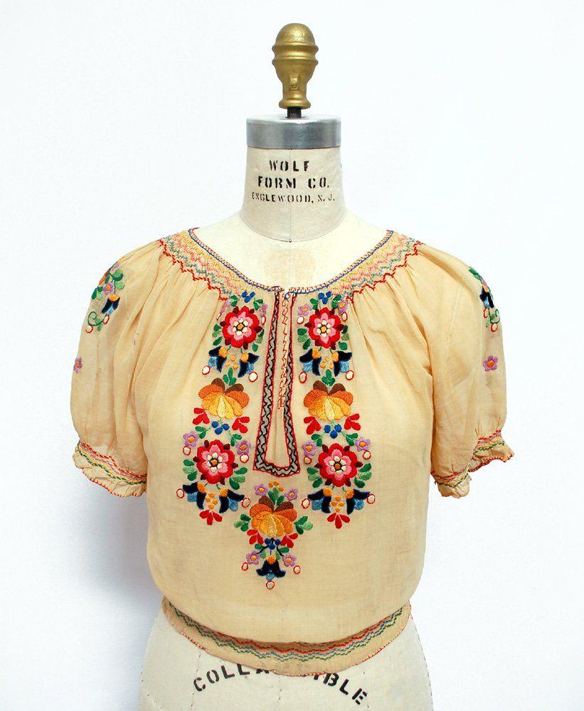 Austrian Hungarian blouse Folk Boho hippie blouse Vintage 1930s 40s floral embroidered linen crochet blouse jacket top Peasant blouse