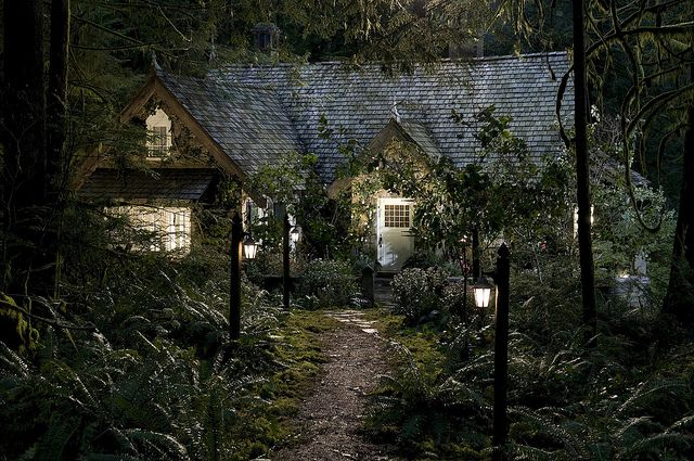 Twilight Saga Breaking Dawn Part 2 Stills Edward And Bella S House Twilight House Honeymoon Cottages Cottage In The Woods