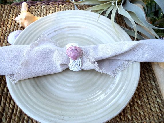 inserzione di Etsy su https://www.etsy.com/it/listing/178087450/shell-napkin-ring-4-cotton-rope-weave