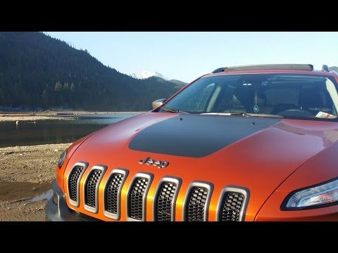 Brand New Jeep Cherokee 4x4 Trailhawk Stuck In Mud And Has To Be