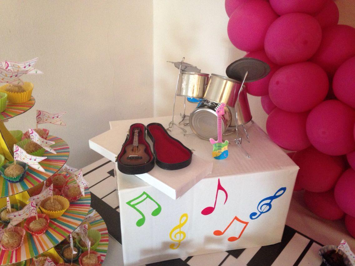 Fiesta infantil decoraci n musical mesa de dulces notas for Decoracion mesa dulce