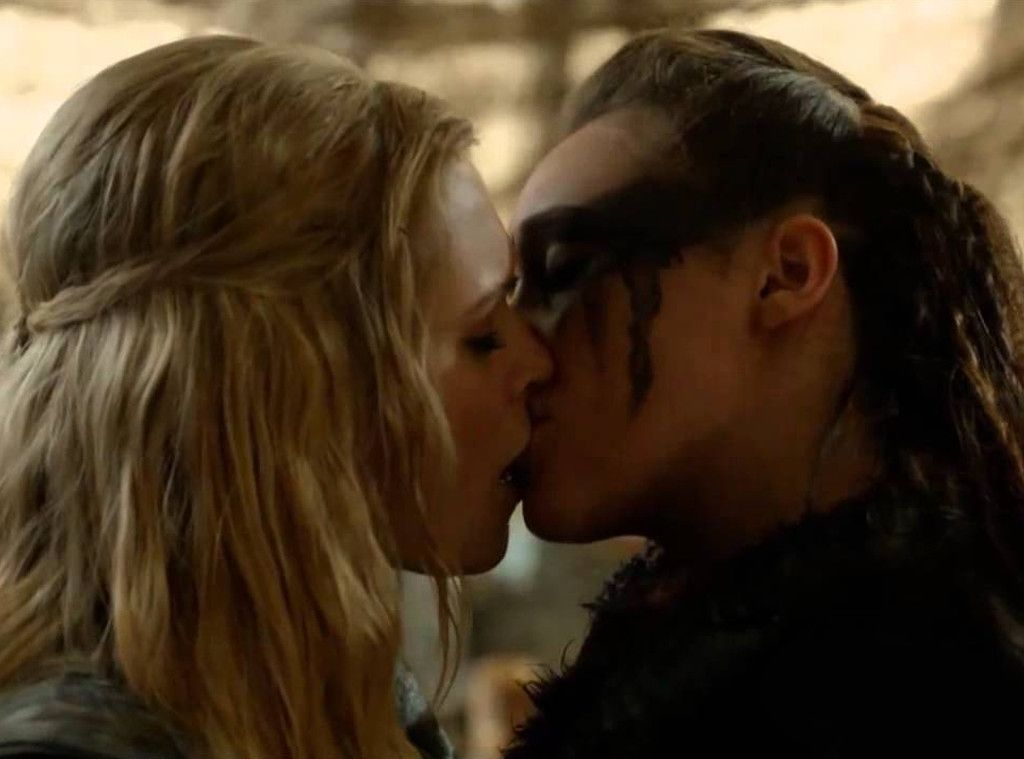 Best Kiss From Best Ever Tv Awards 2015 And The Winners