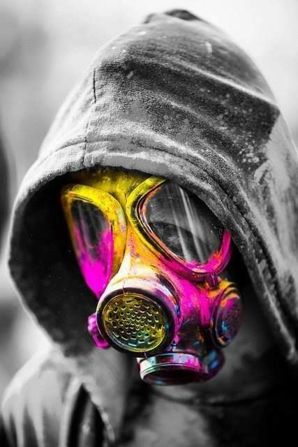 Mascara De Gas Beeeco Art Gas Mask Art Painting