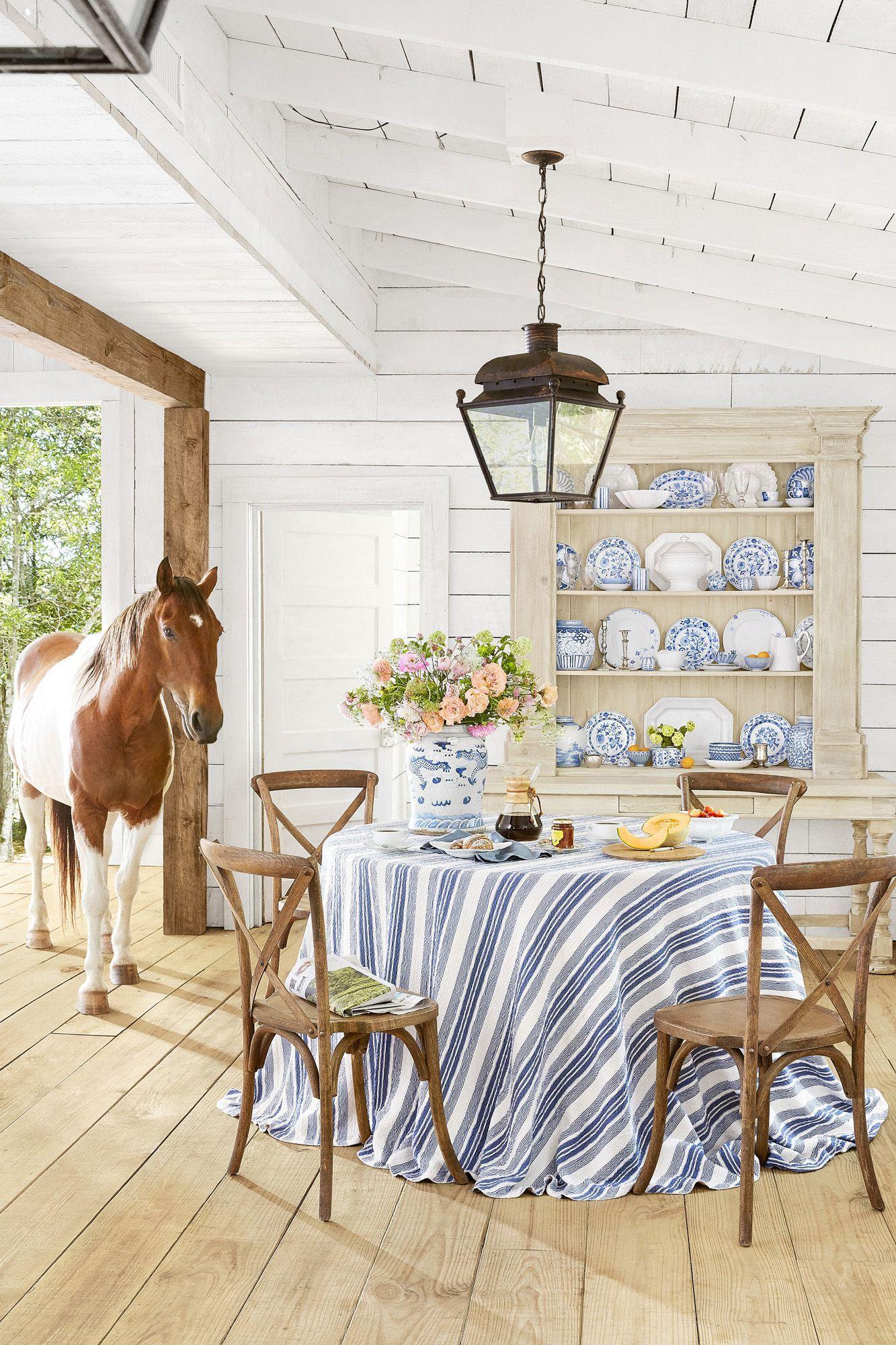 Our Favorite Farmhouse Décor Ideas for Your Dream Country