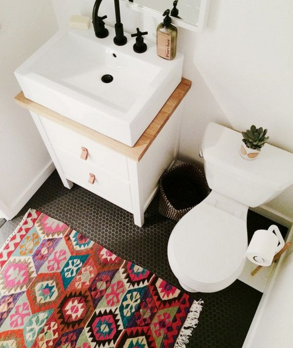 Colour pop for the littlest room add some oomph to your bathroom