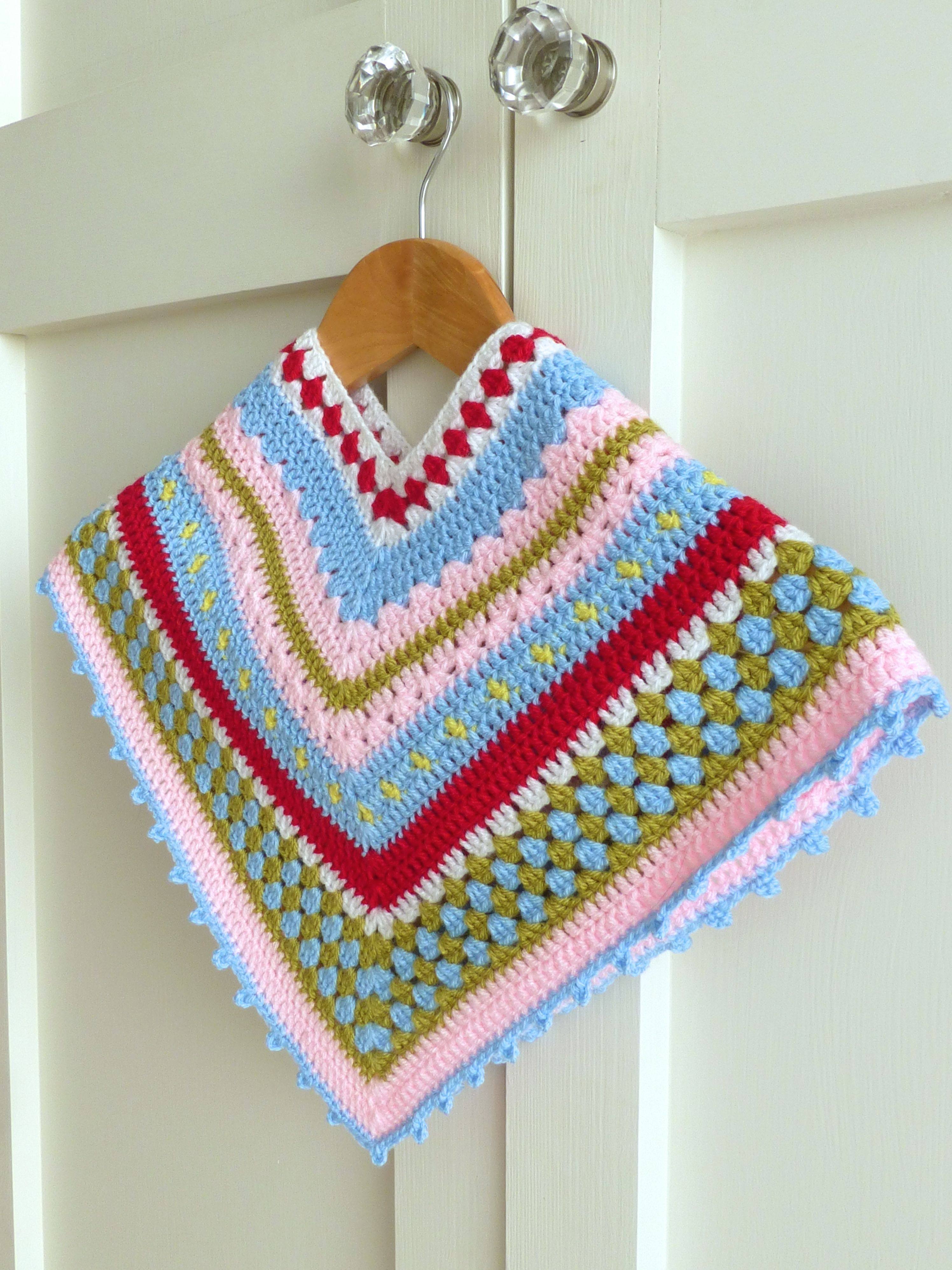 Crochet Poncho Pattern - Tutorial on how to make a Greengate style ...