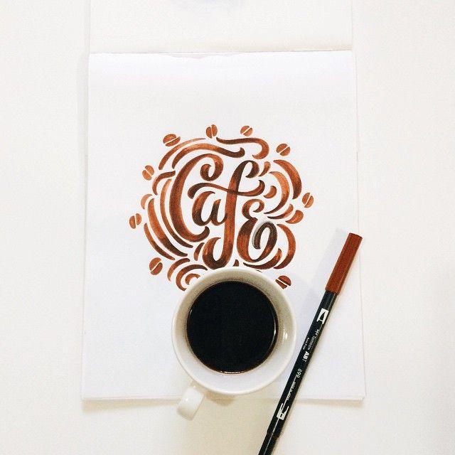 Café☕️✨ #lettering #brushlettering #handlettering #tombow #tombowpen #letteringdaily #goodtype #ligaturecollective #cafe #coffelovers #CafePorFavor #cafedemisla #cafelettering #colao