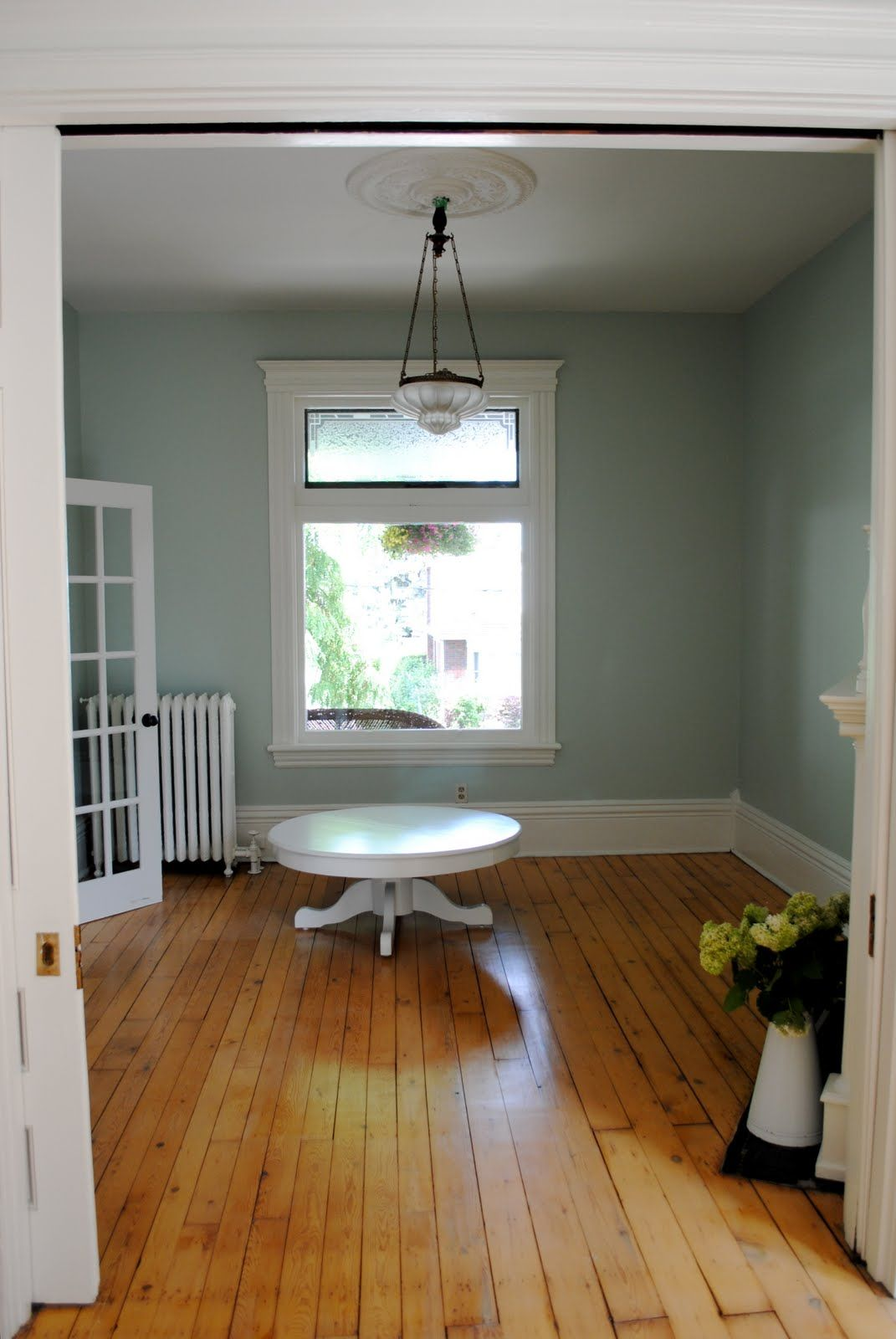 I like the colors on the walls and the way it accents the flooring nicely paint color valspar clothesline