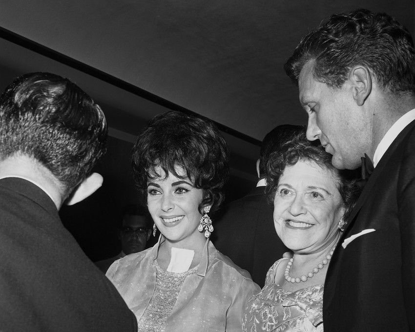 Elizabeth Taylor Posing With Robert Stack At Hollywood Event 1960s 24x36 Poster