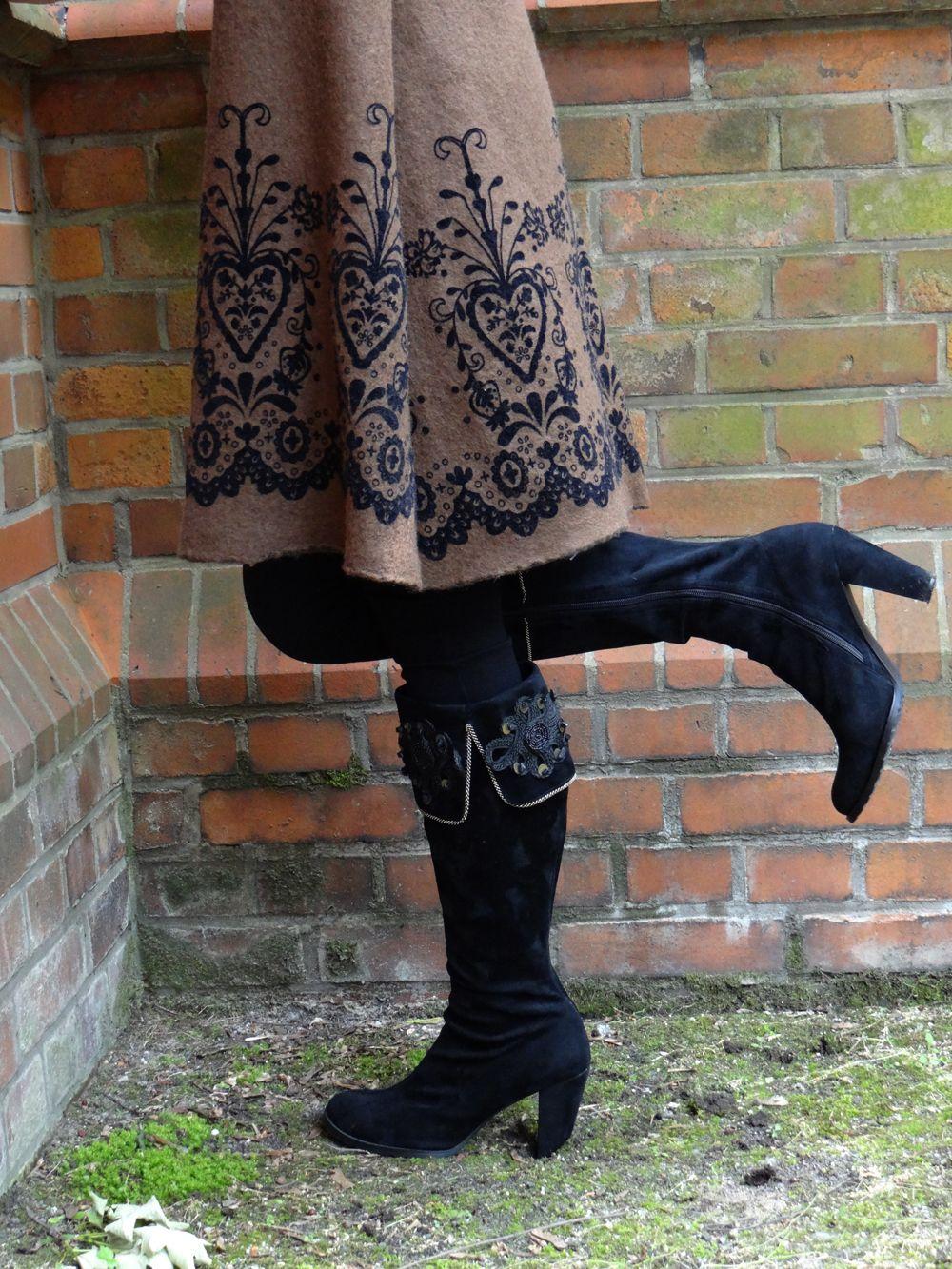 außergewöhnliches wollkleid schwarz braun im trachtenstil