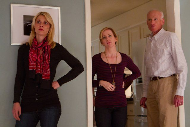 Still of Claire Danes, Amy Hargreaves and James Rebhorn in Homeland